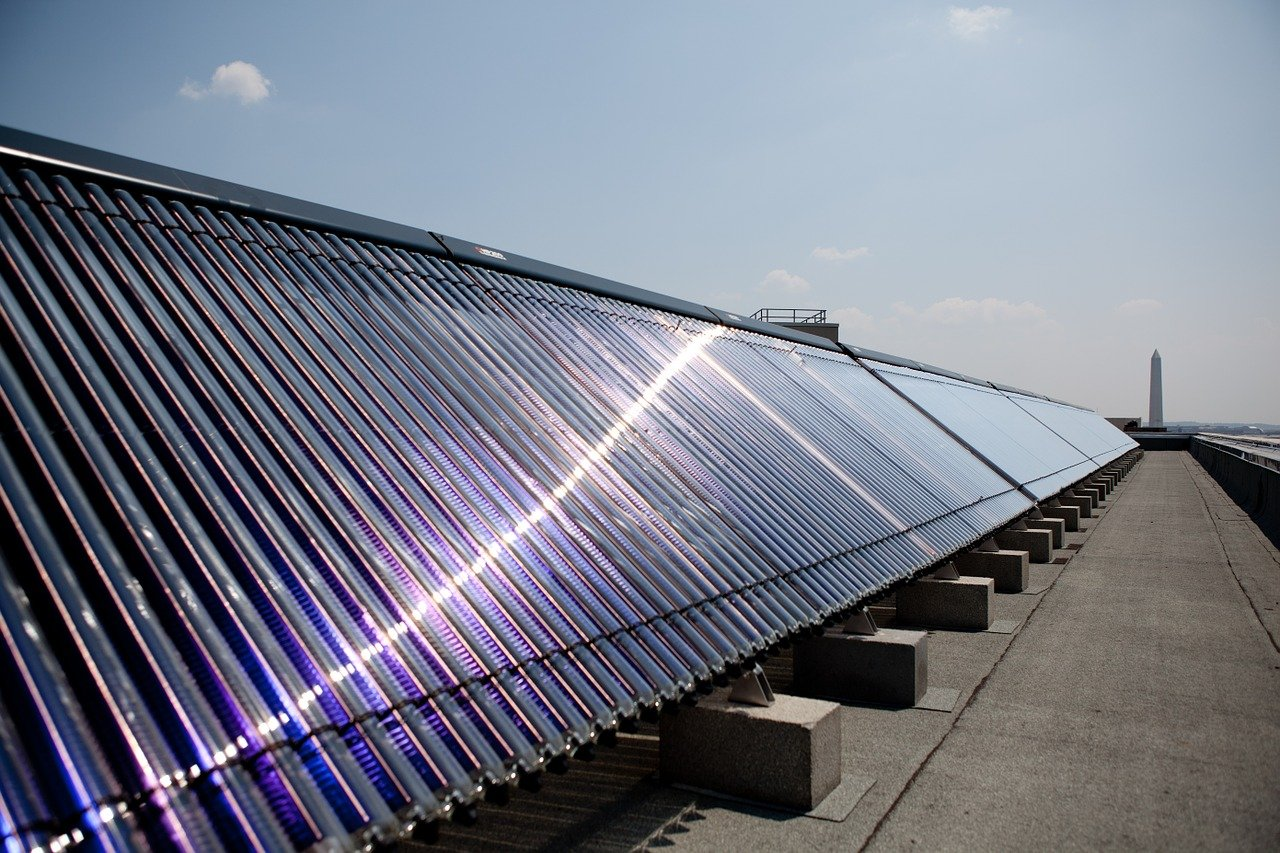 RE-004 An Introduction to Planning Solar Water Heating Systems